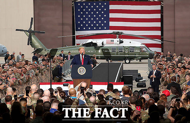 오산 공군기지에서 연설하는 도널드 트럼프 미국 대통령. /평택=뉴시스