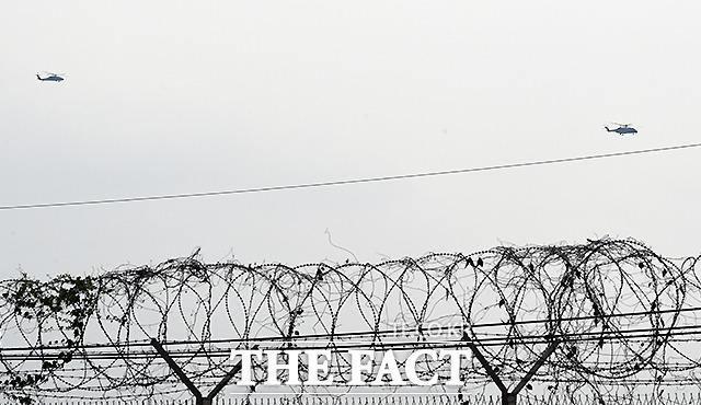 DMZ를 향해 날아가는 문재인 대통령의 헬기. /파주=이새롬 기자