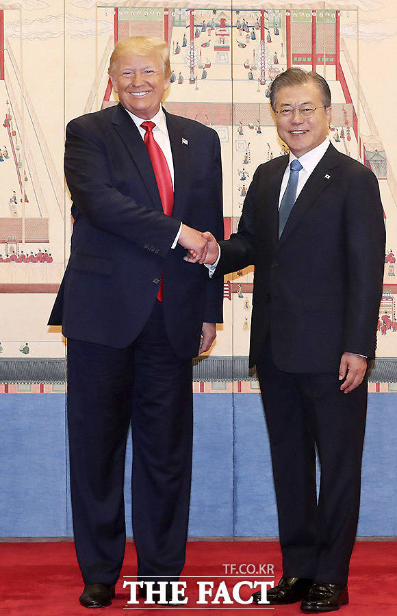 문 대통령은 오늘 중심은 북미 간의 대화라며 트럼프 대통령과 김 위원장의 대화를 더욱 조명했다. /뉴시스