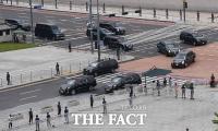 [TF포토] 용산기지 향하는 트럼프 대통령 전용 차량