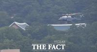 [TF포토] DMZ 향하는 문재인 대통령 전용 헬기