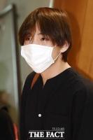 [TF포토] 방탄소년단 뷔, 마스크로 가릴 수 없는 '잘생김'