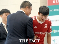 [TF사진관] 허정무 부총재, '자나 깨나 선수 생각~'