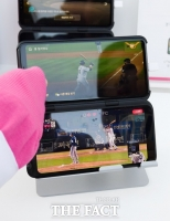 LG전자, '듀얼 스크린2'로 '폴더블폰' 맞불…또 웃을 수 있을까