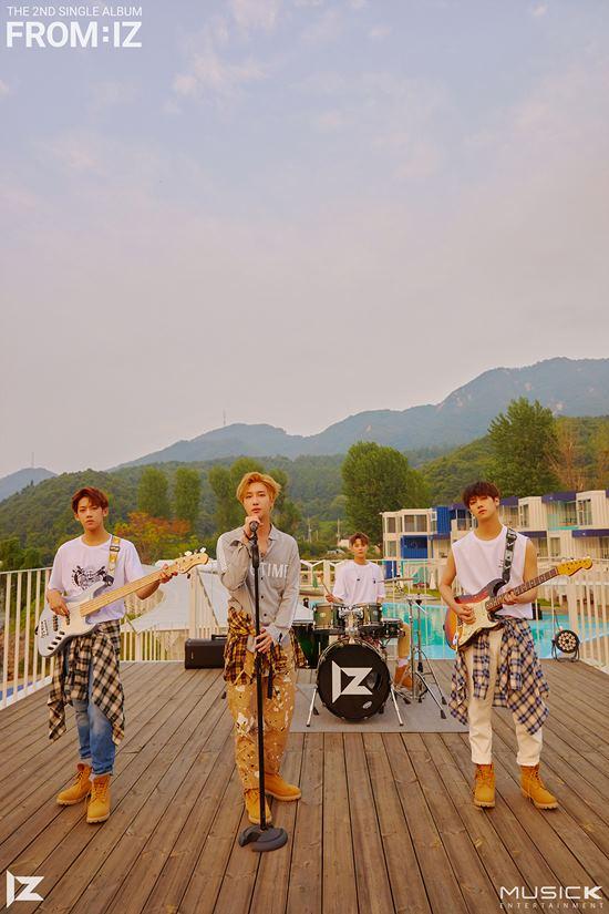 아이즈는 오는 21일 새 앨범 프롬아이즈를 발표한다. /뮤직K 엔터테인먼트
