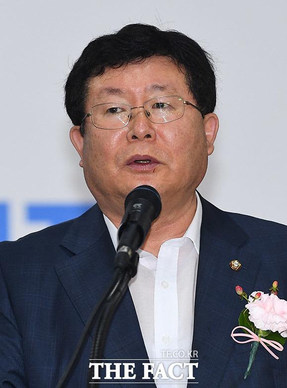 설훈 민화협상임의장