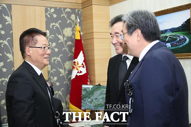박지원 의원(왼쪽)