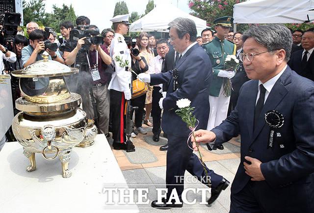 노영민 청와대 비서실장과 강기정 정무수석
