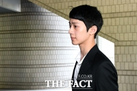 [TF포토] '전속계약 분쟁' 재판 출석하는 라이관린