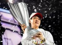 [TF포토] '그리핀 꺾고 통산 8회 우승 달성한 SKT T1'