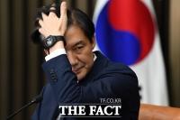 [이철영의 정사신] 조국 기자간담회는 '트루 맨 쇼(?)'