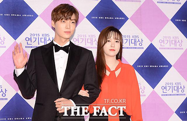 배우 안재현(왼쪽)과 구혜선이 결혼 3년 만에 이혼 위기에 직면했다. /더팩트 DB