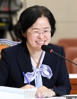 [TF포토] 조성욱, 정갑윤 '결혼' 질문에 '터져버린 웃음'