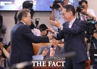[TF포토] 조국 인사청문회, 시작부터 치열한 여야 신경전
