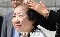 [TF사진관] 박인숙, 이언주에 이어 '조국 해임' 외치며 삭발