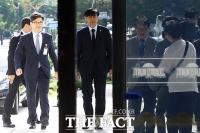 [조국 취임 10일] 장관·검찰 제 갈 길…예측 불가 '살얼음판'