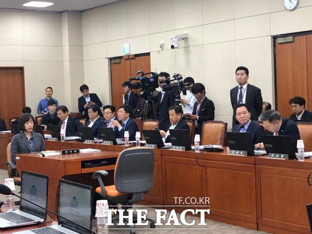자유한국당을 비롯한 야당 의원들은 국정감사를 식물국감으로 만들려고 한다며 민주당을 비판했다. /문혜현 기자