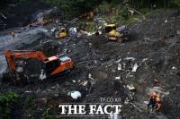 [TF포토] 부산 산사태로 4명 매몰… '매몰자 발견 아직까지 없어'