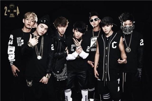 2013년 6월 데뷔했다. 정호석은 활동명 제이홉(제일 오른쪽)으로 활동을 시작했다. /빅히트엔터 제공