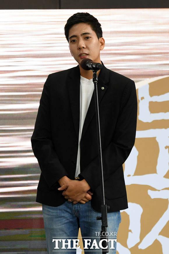 배우 신석호