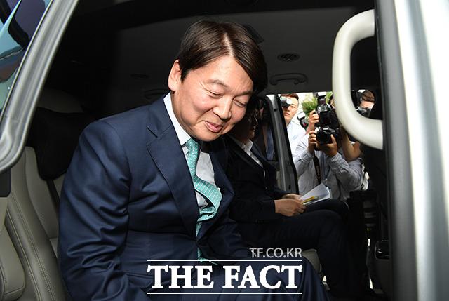 변혁 내부에서 안철수 전 의원과 뜻을 함께 하고 있는 의원들은 유 대표의 한국당 조건부 통합론에 대해 내부적으로 논의된 게 아니다고 밝혔다. /더팩트 DB