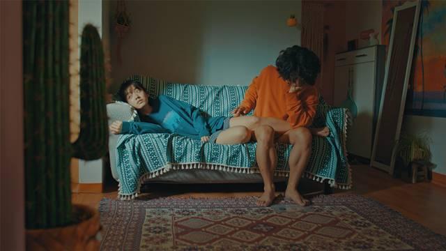 메기에는 꿈의 제인에서 호흡을 맞춘 구교환, 이주영이 출연했다. /영화 메기 스틸