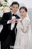 [TF포토] 강남-이상화,10월의 웨딩마치 '행복하게 살게요!'