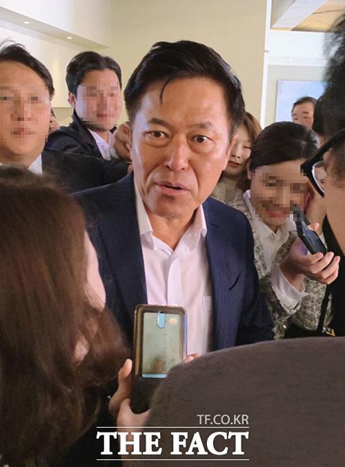 지난 15일 이동통신 3사 CEO가 한 자리에서 만난 가운데 박정호 SK텔레콤 사장의 스킨십 경영이 빛을 발했다는 평가를 받았다. /최수진 기자