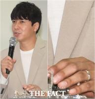 [TF포착] '열애 중' 김승현, '눈에 띄는 왼손의 반지'