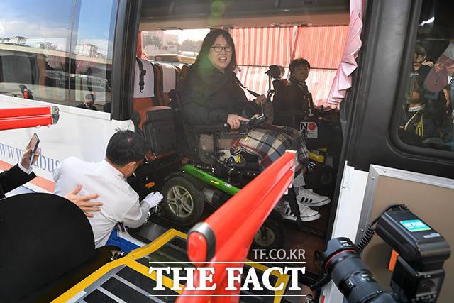 버스 타고 강릉 갈 줄은 몰랐어요.