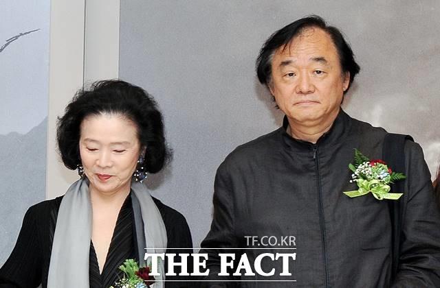 윤정희(왼쪽)과 백건우는 소문난 잉꼬부부로 40여 년간 결혼 생활을 이어가고 있다. /더팩트DB