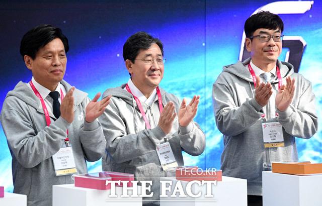 조승희 의원과 박양우 장관, 강신철 G-STAR 조직위원장(왼쪽부터)