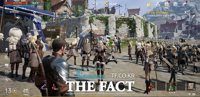 리니지2M은 2003년 출시된 PC온라인게임 리니지2를 기초로 만든 모바일게임이다. 사진은 실제 게임 진행 모습 /게임 캡처