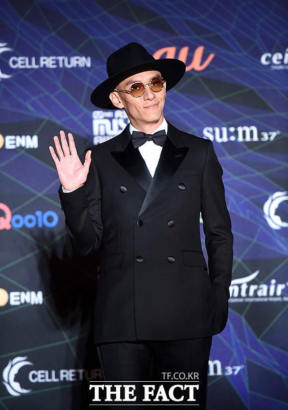 4일 오후 일본 나고야돔에서 '2019 MAMA(마마·2019 Mnet Asian Music Awards)'가 열려 배우 장첸이 레드카펫을 밟고 있다. /MAMA 제공