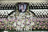 [TF이슈] '존경하는 재판장님'은 어디에...구하라·윤중천 판결의 그늘
