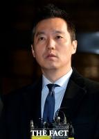 [TF포토] 김건모 성폭행 의혹, 고소장 제출하는 김세의 대표