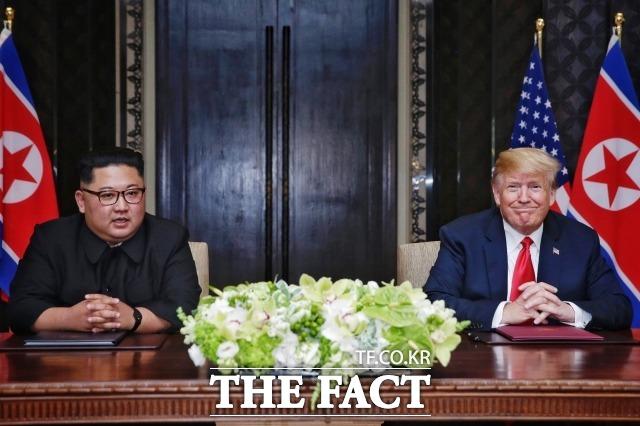 최근 북한과 미국이 서로 으름장을 놓으면서 북미 간 갈등이 깊어지고 있다. 지난해 6월 싱가포르 북미 정상회담 당시 김정은 북한 국무위원장(왼쪽)과 도널드 트럼프 미국 대통령. /싱가포르 통신정보부