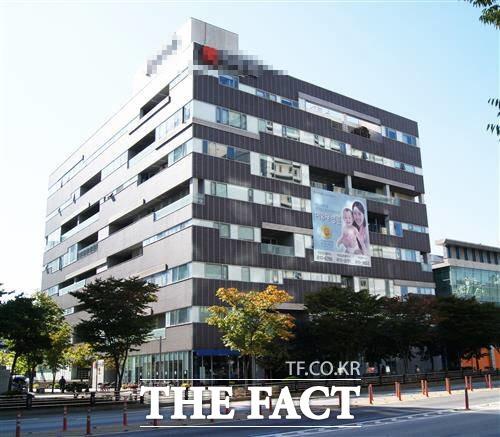14일 오전 10시7분쯤 경기도 일산 동구 모 여성병원에서 불이 났으나 인명피해는 없었다. 사진은 화재가 난 병원 전경./더팩트 DB