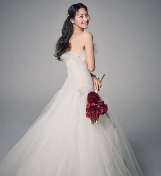 수현이 차민근과 14일 결혼식을 올렸다. /문화창고 제공