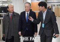 [TF포토] 석방된 김기춘, '세월호 보고 조작' 재판 출석