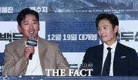 [TF포토] 하정우-이병헌, '앉아만 있어도 존재감 폭발'