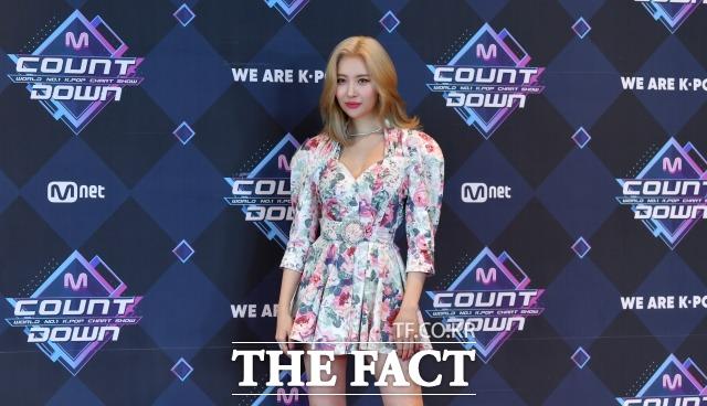 가수 선미가 이틀 연속 자신과 관련한 의혹에 쿨하게 대처했다. /이덕인 기자