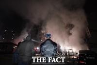 [TF포토] 방학동 아파트 상가 화재, '성탄 앞두고 큰불'