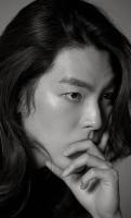 김우빈, 긴 머리 화보 공개...소속사