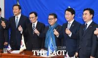 [TF초점] 민주당식 인재영입, '은밀하게' 통했다?