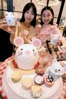 [TF포토] 신세계, '2020 흰 쥐의 해' 맞이 캐릭터 케이크 출시