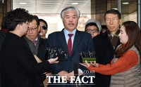 [TF포토] '폭력 집회' 질문에 답변하는 전광훈 목사