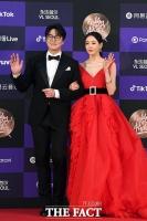 [TF포토] 성시경-이다희, '흠 잡을데 없는 커플'