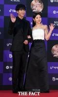 [TF포토] 이승기-박소담, '훈훈한 비주얼 커플'
