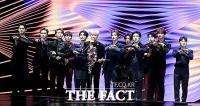 [TF포토] '골디' 음반 부문 본상 수상한 그룹 세븐틴